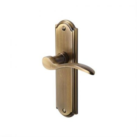 Heritage Brass Howard Handle on Backplate Antique Brass